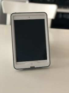 Apple iPad Mini 2 128GB with Cellular and Lifeproof Case