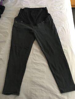 Maternity jeans & leggings bundle