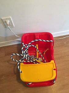 Fisher Price swing. NEW. AVAILABLE