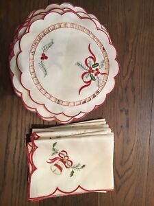 Christmas placemats & napkins - assorted
