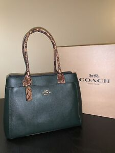 BRAND NEW / Authentic COACH Classy Crossgrain Leather Purse