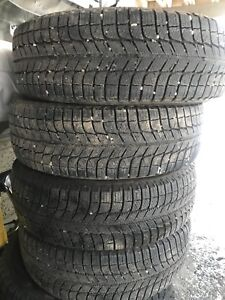 215 65 16 Michelin xice3 winter tires