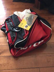 Easton wheeled baseball bag