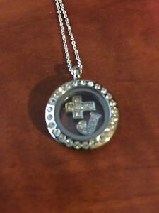 Origami owl necklace/pendant READ ALL