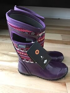 BOGS insulated boots Size 3 (NEW!!)
