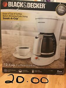 Coffee maker and utensil set