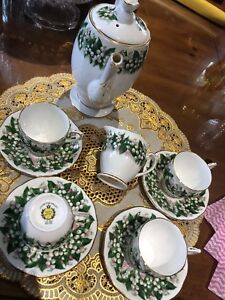 England bone China Queen Anne Teapot cups and saucers