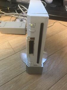 Modded Nintendo Wii with 10 games