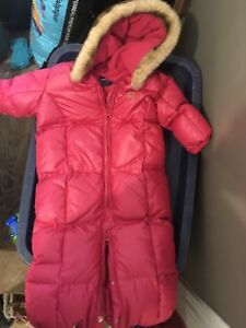 Gap snowsuit 3-6 mos