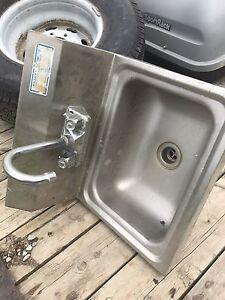 Commercial sinks and taps(2)