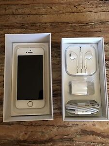 Brand new iPhone 5s Gold 16gb Bell