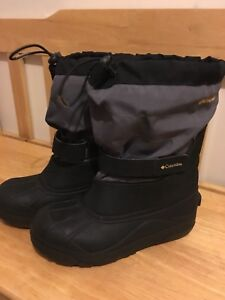 Columbia Winter Boots youth size 6