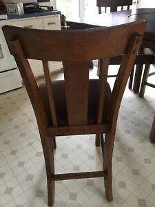 Beautiful solid wood kitchen table with lazy Susan, folding ends
