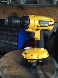 Dewalt DC759 cordless drill/driver with 2 batteries and charger