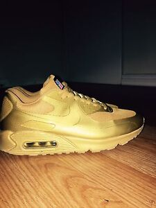 Gold nike airmax size 9.5
