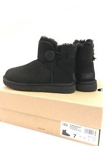 Brand New UGG Ladies Mini Bailey Button Boots w/box