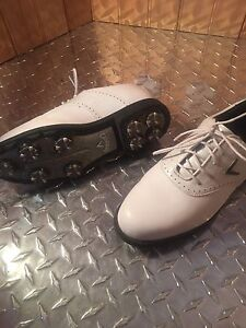 Size 7 woman's Callaway golf shoes