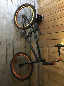 CULT BMX BIKE GREAT CONDITION