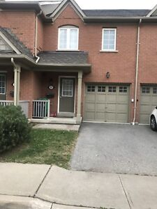 Condo Town House 4 Bedroom for RENT