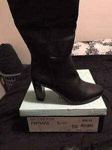 Brand new women's boots Brookfield Melton Area Preview