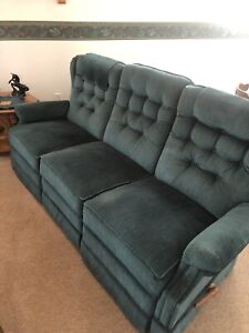 La-Z-Boy Couch and 2 matching Reclining chairs
