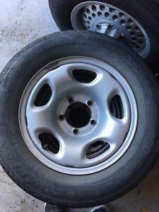 Suzuki Grand Vitara wheels and tires