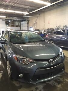 2015 Toyota Corolla le fully loaded. Sunroof, alloy rims