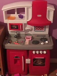 Little tykes play kitchen