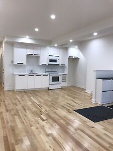 Fully renovated 5 1/2 in mile end. Multiple units available