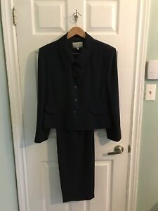 Navy 3 piece business suit 18 size petite jeans obo