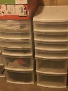 2 storage containers