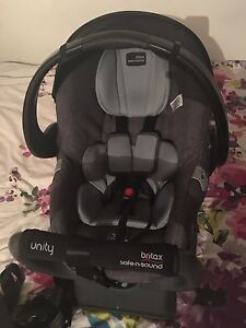 Britax Unity Safe'n'Sound baby capsule Holden Hill Tea Tree Gully Area Preview