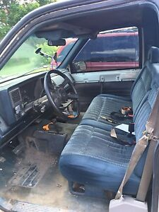 1988 gmc 4x4 step side Z71 with 350 small block