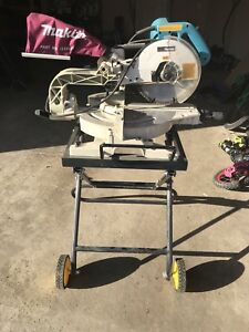 Slide Compound Mitre Saw - Makita with stand