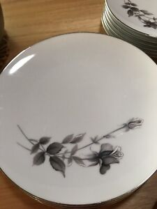 Noritake L' Amor dinner setting Ormeau Gold Coast North Preview
