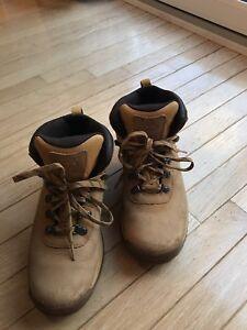 Men's TIMBERLAND Boots - size 8.5