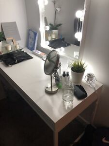 Desk / Makeup Table and mirror **SELL BEFORE 15th**
