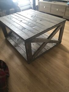 Beautiful Real Wood Coffee Table *FREE Delivery!*