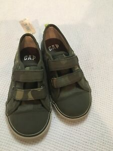 Toddler boys shoes size 10  tags on