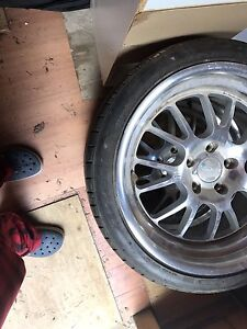 255 35 18 rims and tires 90% rubber
