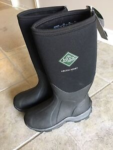 Mucks Artic Sport boots, women's size 7