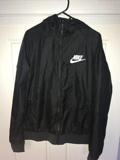 NIKE WIND BREAKER SPRAY JACKET