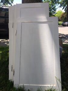 Portes armoires différentes grandeurs