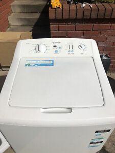 Simpson 9.5KG heavy duty washing machine working well