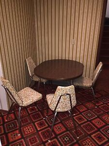 Dinette small apartment size