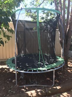 MOVING SALE! 8ft trampoline $25! Need gone asap!