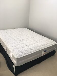 Serta Queen size mattress and spring box