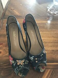 High heels shoes size 7/5