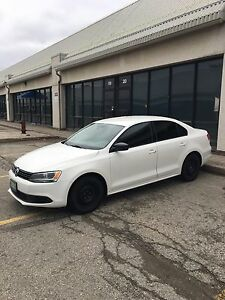 2013 Volkswagen Jetta Sedan - White - LOW KM's