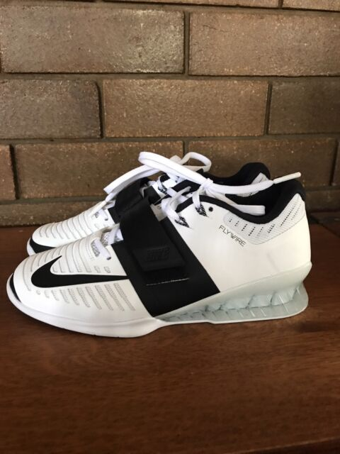 Women s Nike Romaleo weight lifting shoes  bbbba87df